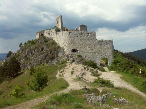Čachtický Hrad Piešťany